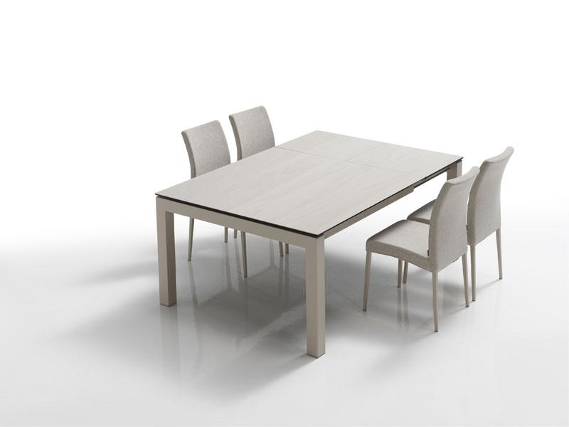 Table ronde plateau ceramique tendance d co tuiles for Table exterieur ceramique